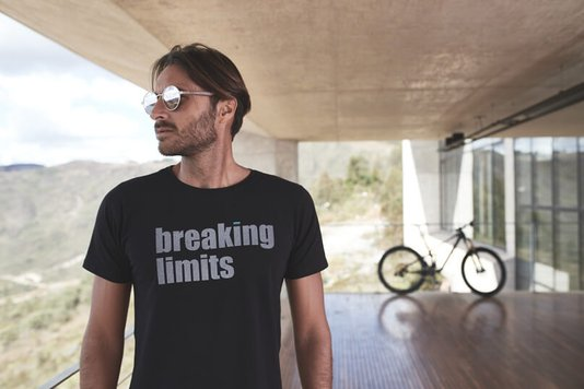 Camiseta Casual T-Shirt Breaking Limits Sense